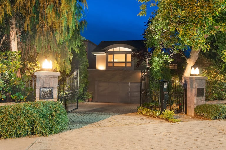 Point Grey road luxury homes in Vancouver Kitsilano