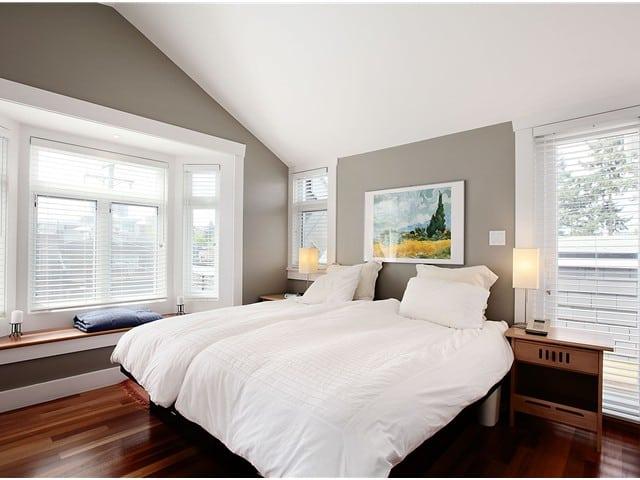 spacious bedroom in Kits Triplex