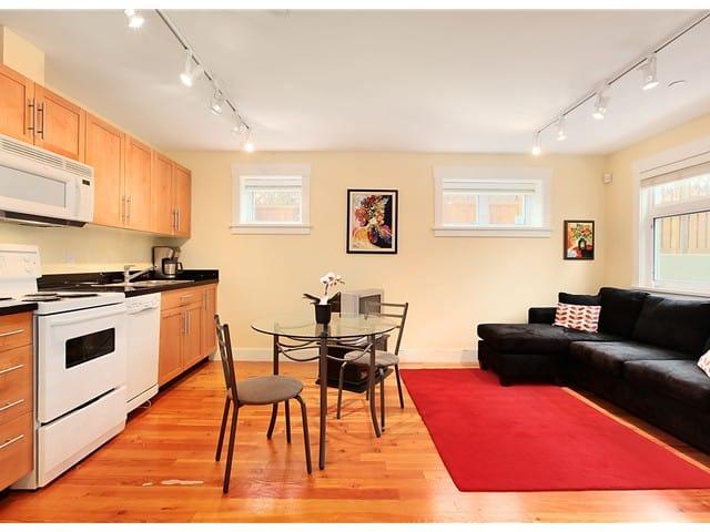 ground floor room in Kits Triplex