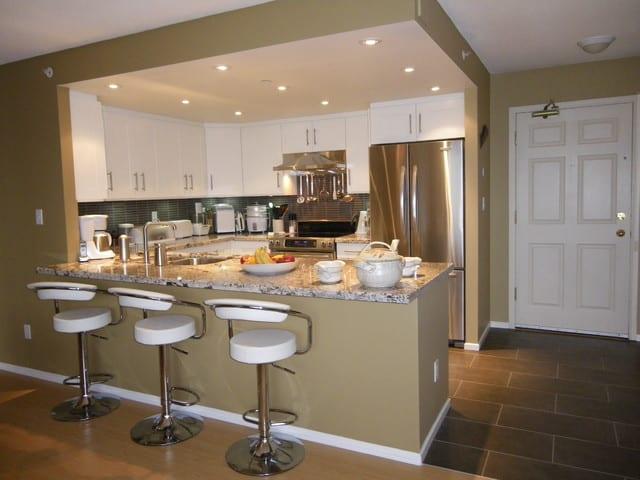 renovated kitchen in Highbury Towers condo Kits